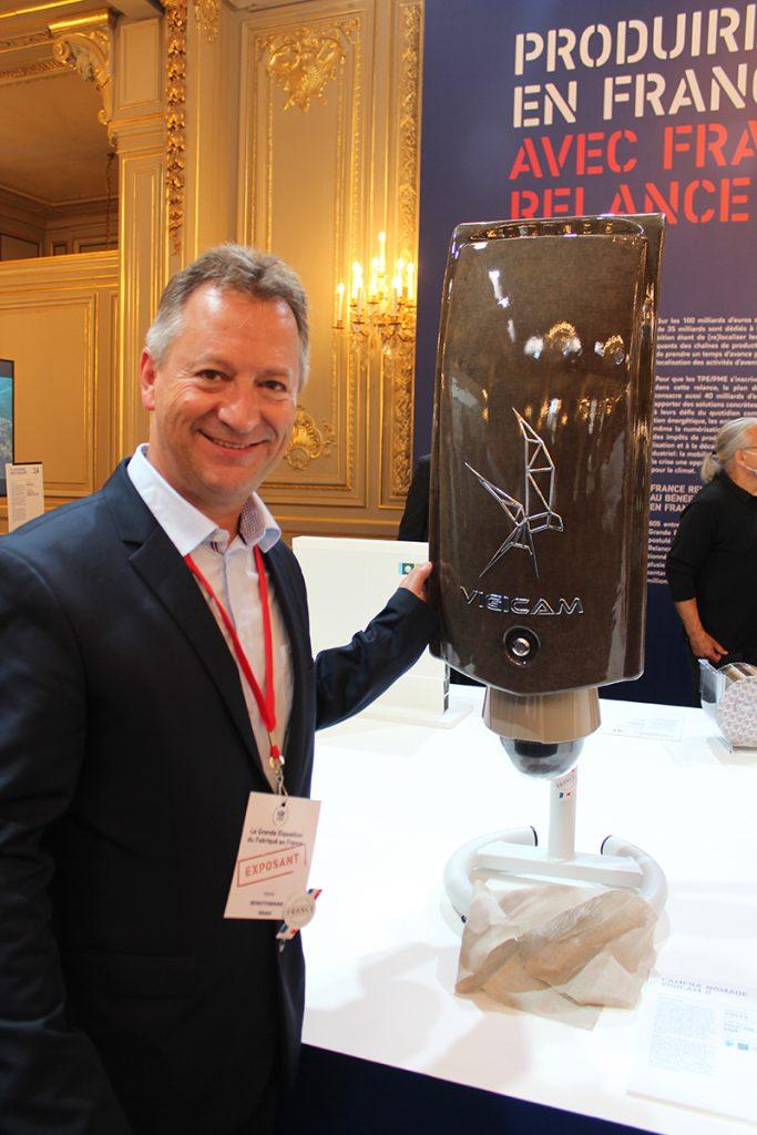 Abdel Benothmane et la nouvelle VIGICAM II par VDSYS à la grande exposition du fabriqué en France à l'Élysée